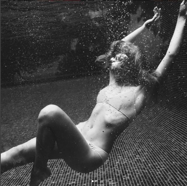 Соня Киперман похвалилась горячими фото в бикини - фото 66451