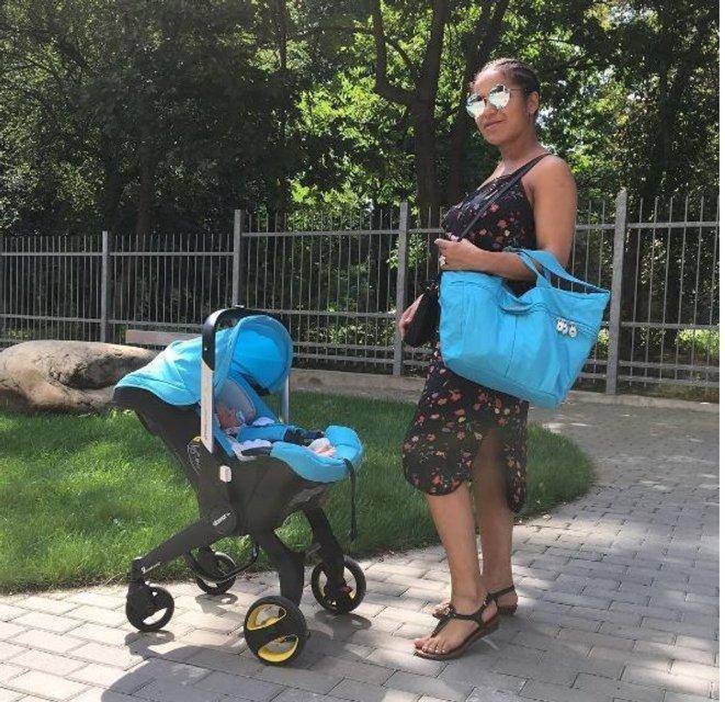Гайтана показала новорожденную дочь в коляске - фото 63772