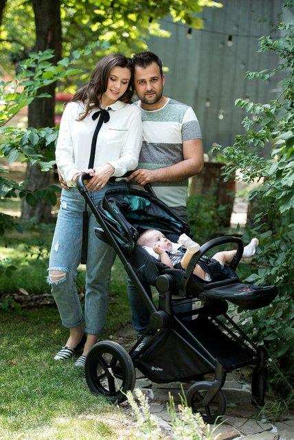 Алексей Душка с дочкой и женой - фото 64946