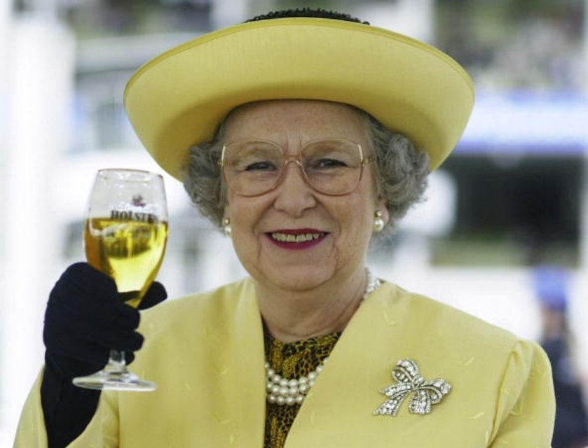 Королева Елизавета II - фото 62739