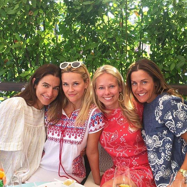 День Независимости: голливудские красавицы в украинских вышиванках - фото 68908