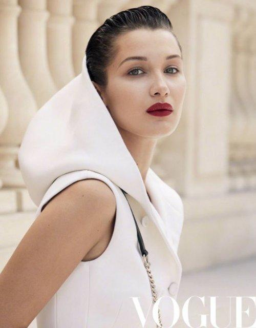 Белла Хадид без белья украсит обложку китайского глянца - фото 66440