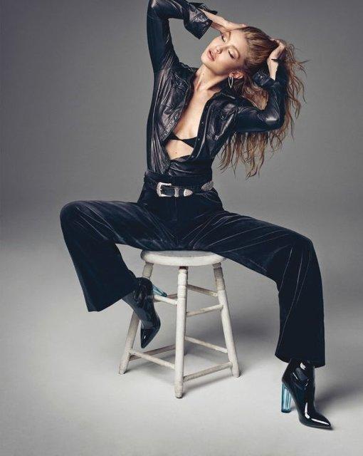 Белла Хадид показала грудь и стройные ноги на обложке Vogue - фото 68485