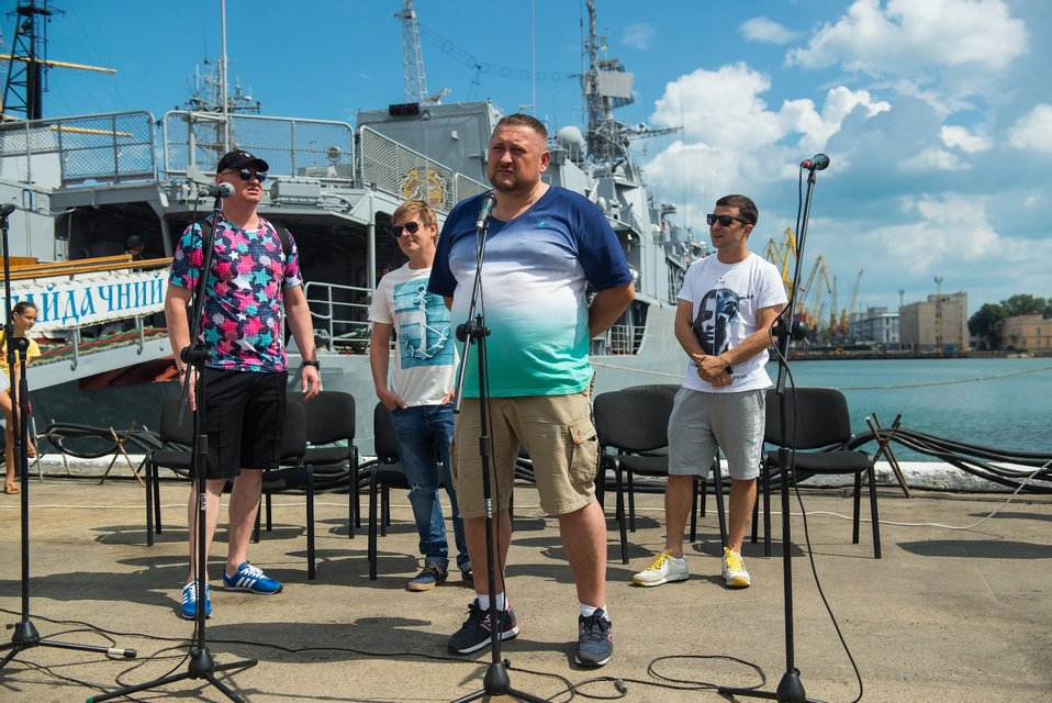 Зеленский, Кошевой и Казанин встретились с украинскими моряками в Одессе - фото 63686