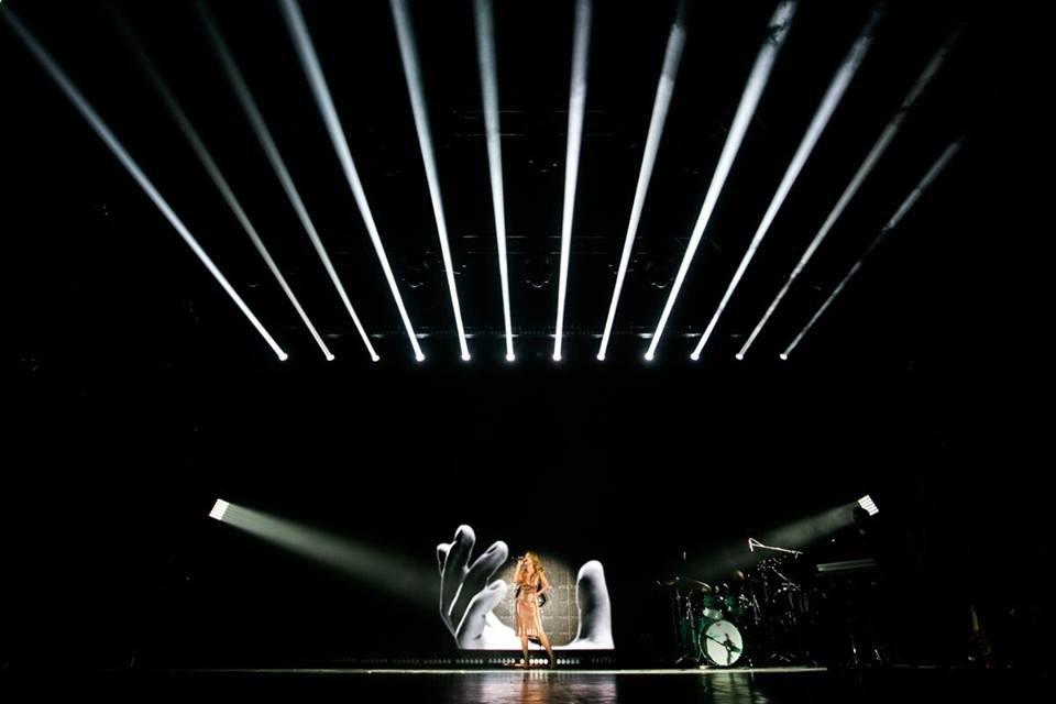 Тина Кароль выпустила фотопроект о своем туре - фото 70244