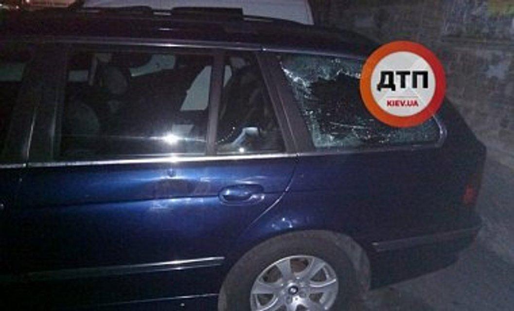 В Киеве вечером обстреляли авто и похитили мужчину - фото 68034