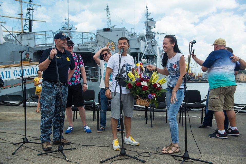 Зеленский, Кошевой и Казанин встретились с украинскими моряками в Одессе - фото 63685