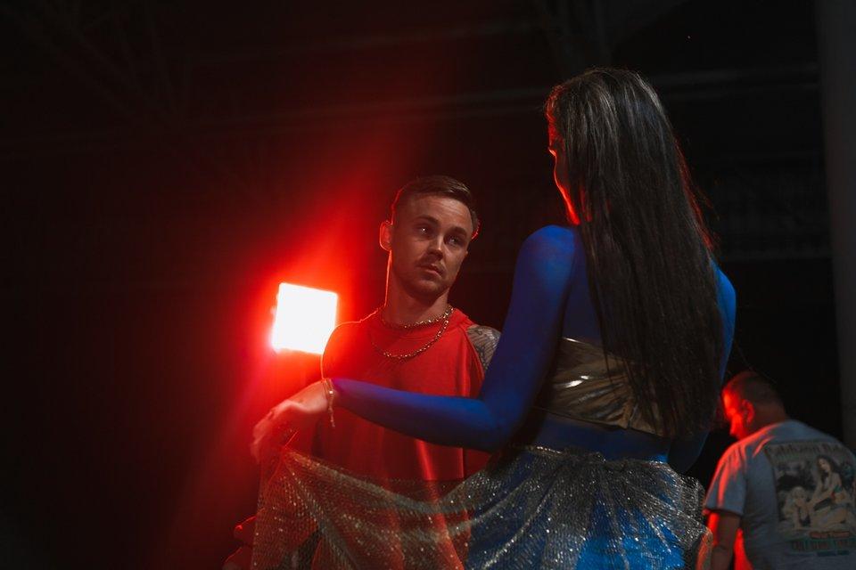 Артем Пивоваров показал свою девушку Дашу фанатам - фото 62927