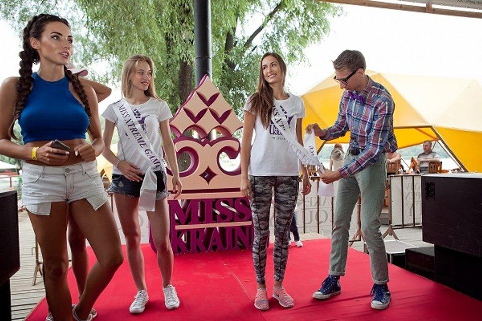 """На новом этапе """"Мисс-Украина 2017"""" девушки занимались спортом - фото 63023"""
