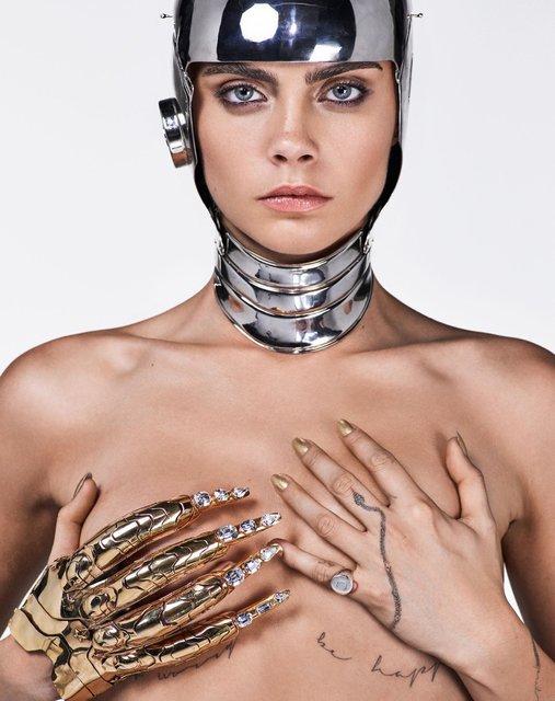 Кара Делевинь без белья снялась в пикантной фотосессии для глянца - фото 64916