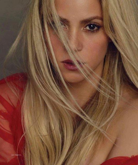 Шакира поразила красотой на обложке популярного глянца - фото 69271