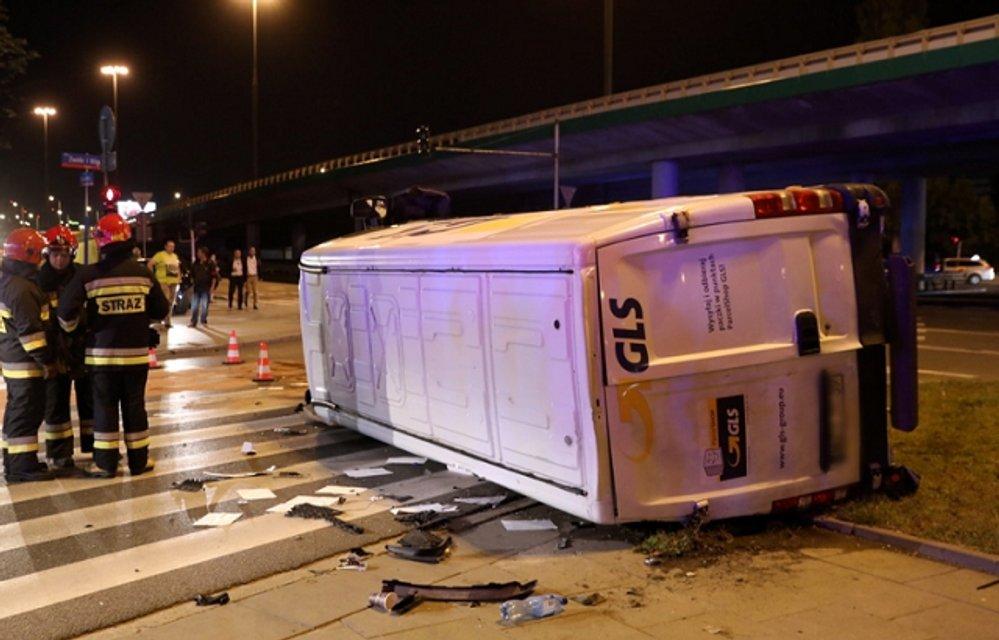 В Польше неизвестные напали на кортеж Генсека НАТО СТолтенберга - фото 69386