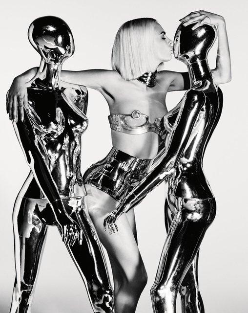 Кара Делевинь без белья снялась в пикантной фотосессии для глянца - фото 64921