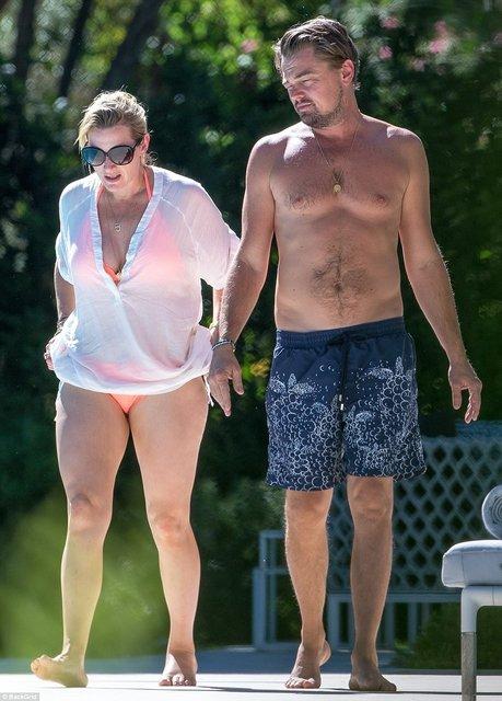 Кейт Уинслет и Леонардо Ди Каприо поплескались в бассейне на вилле в Сан-Тропе - фото 67194