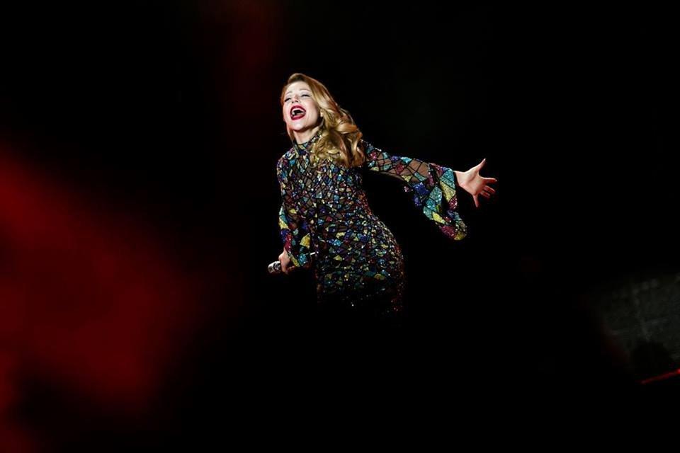 Тина Кароль выпустила фотопроект о своем туре - фото 70249