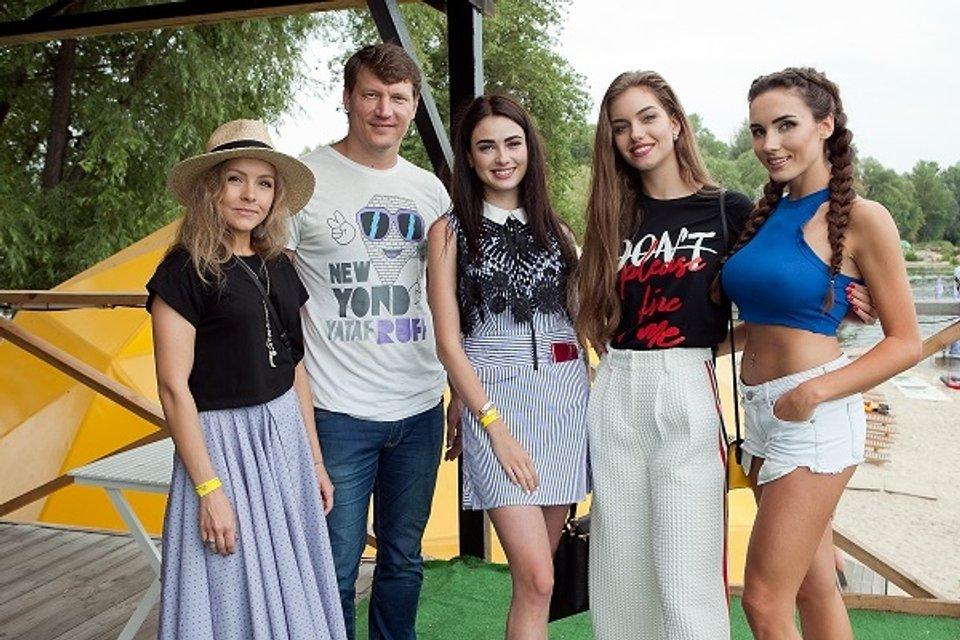 """На новом этапе """"Мисс-Украина 2017"""" девушки занимались спортом - фото 63027"""