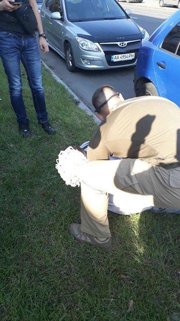 Один из руководителей полиции Киева попался на взятке в 7 тысяч долларов - фото 67313