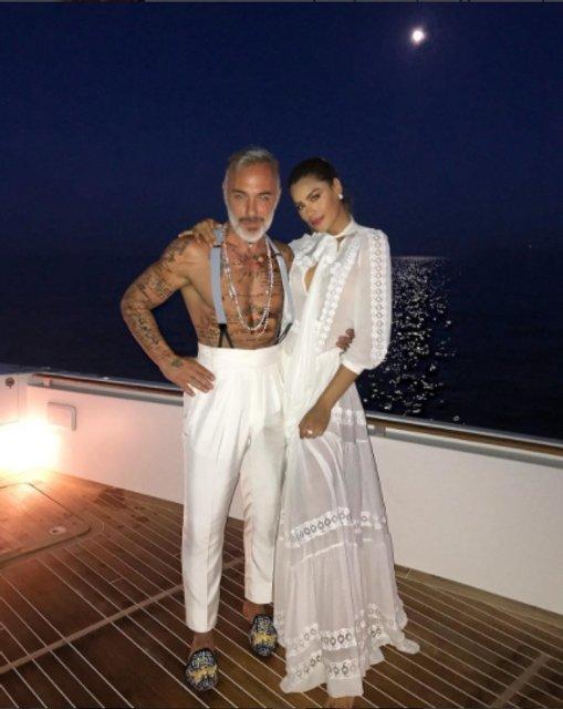 Джанлука Вакки отметил 50-летие с друзьями и любимой в клубе - фото 64131