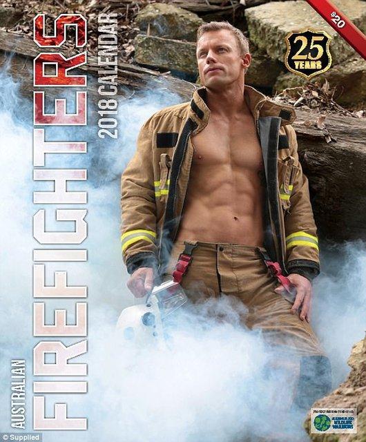 """Сеть """"взорвал"""" календарь с обнаженными пожарными Австралии - фото 63528"""