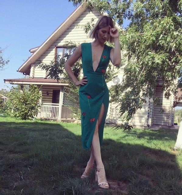 Анита Луценко в откровенном платье похвалилась идеальной фигурой - фото 66664