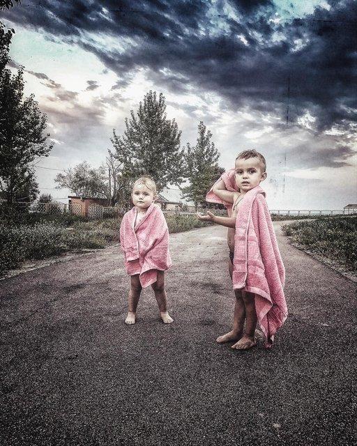 Слава Каминская с детьми в Мариуполе - фото 62443