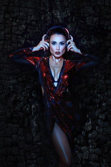 Экс-NIKITA Анастасия Кумейко полностью разделась для рекламы - фото 68421