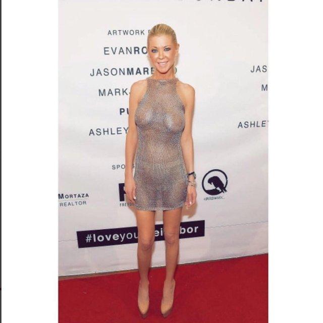 Тара Рид без белья шокировала откровенным нарядом в Лос-Анджелесе - фото 62605