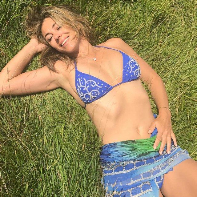 Элизабет Херли в бикини: фото - фото 66512