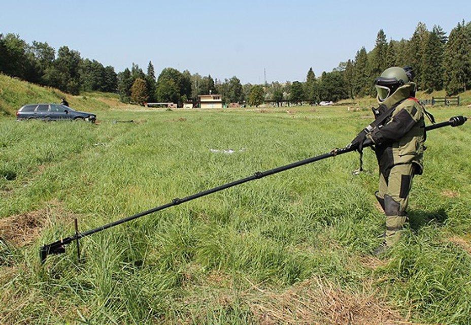 Учения сотрудников взрывотехнических подразделений полиции и бойцов полицейского спецподразделения КОРД - фото 68191