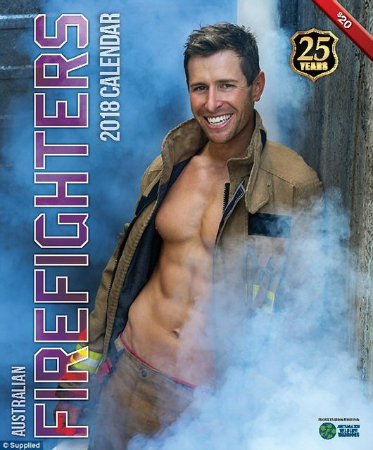 """Сеть """"взорвал"""" календарь с обнаженными пожарными Австралии - фото 63530"""