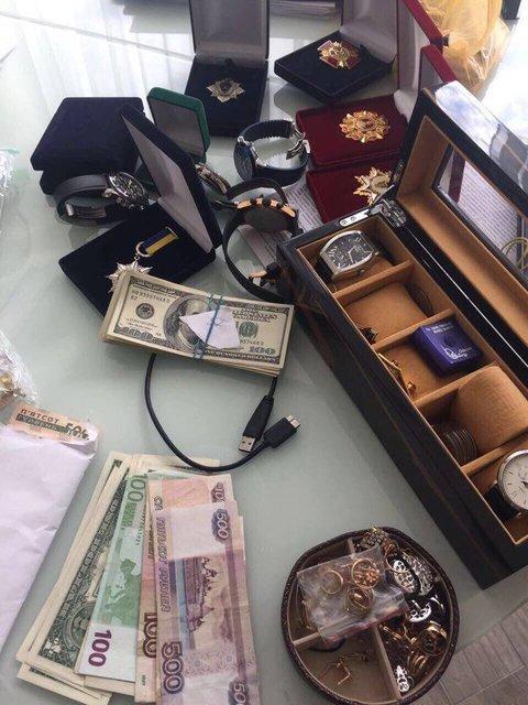 """Взятка месяца: Взяточники из """"Укрзализныци"""", невиноватый Троян и влияние на суд за $50 тыс - фото 62986"""