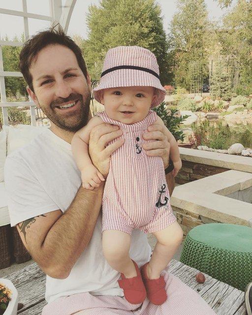 Муж Кэтрин с сыном - фото 65817