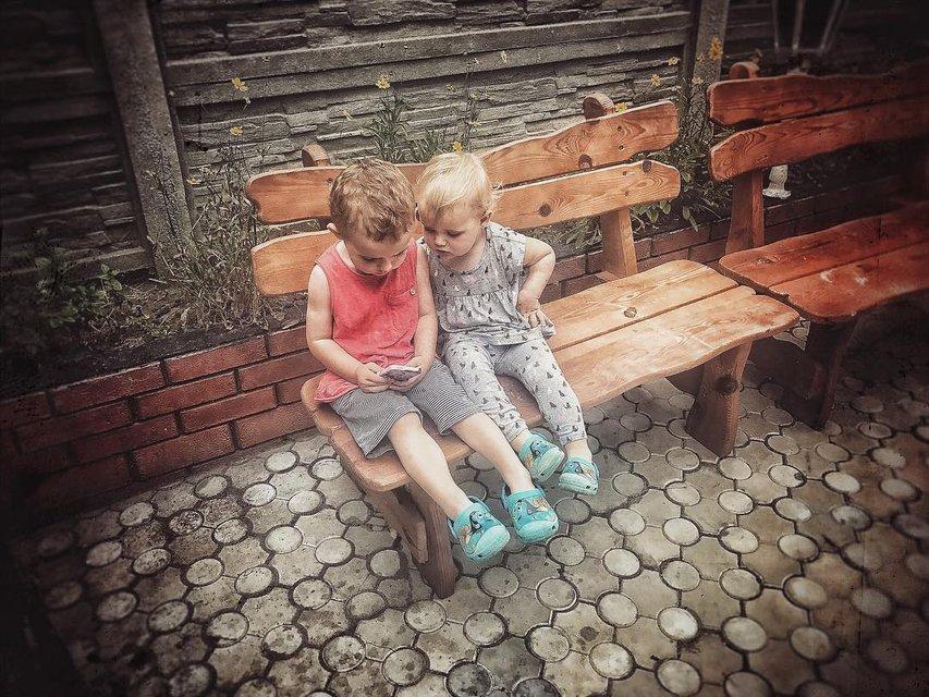 Слава Каминская с детьми в Мариуполе - фото 62445