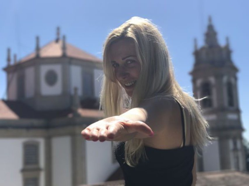 Тоня Матвиенко и Арсен Мирзоян совместили выступление с отдыхом в Португалии - фото 68758