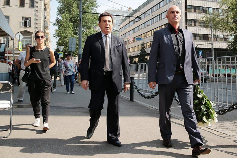 В московском Доме кино Кобзон попрощался с Верой Глаголевой - фото 68045