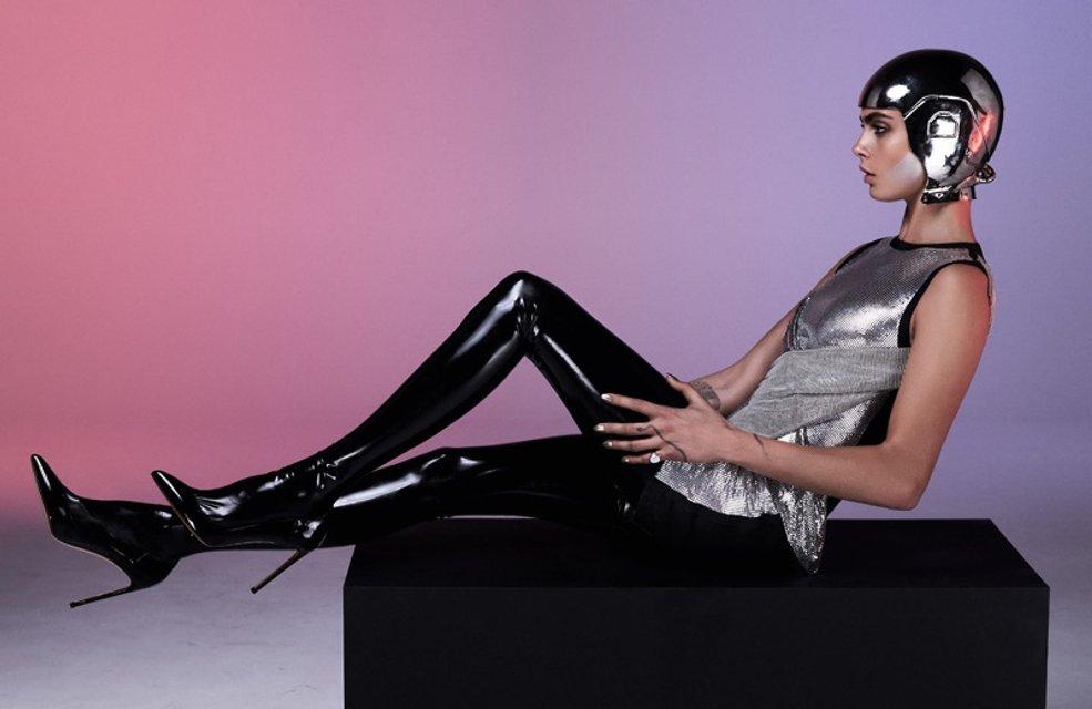 Кара Делевинь без белья снялась в пикантной фотосессии для глянца - фото 64915