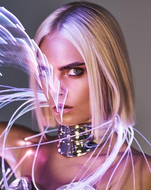 Кара Делевинь без белья снялась в пикантной фотосессии для глянца - фото 64919
