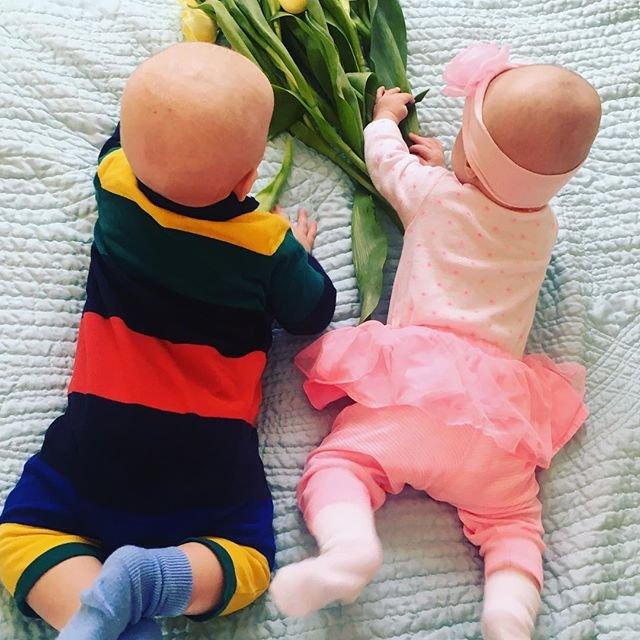 Елена Кравец показала редкое фото своих двойняшек - фото 64781