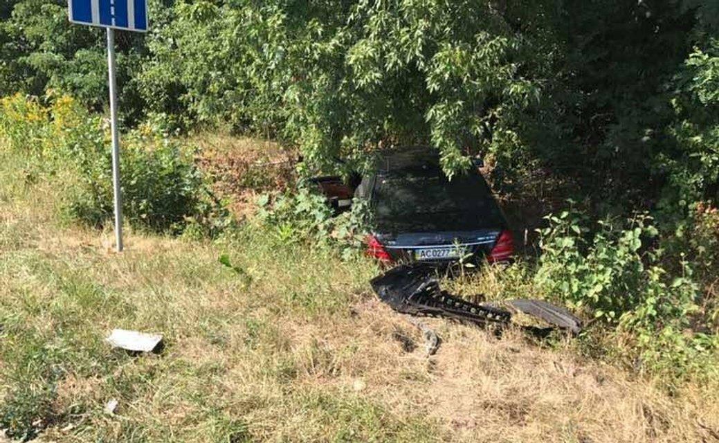 Автомобиль владельца популярного телеканала попал в ДТП, есть погибшие - фото 67870