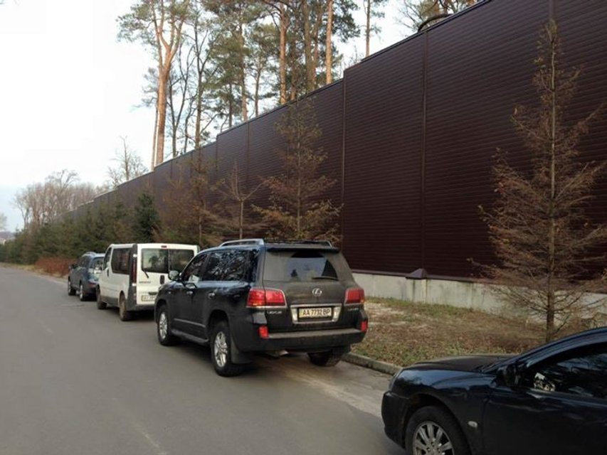 Блогер придумал, как отгородиться стеной от России - фото 66929