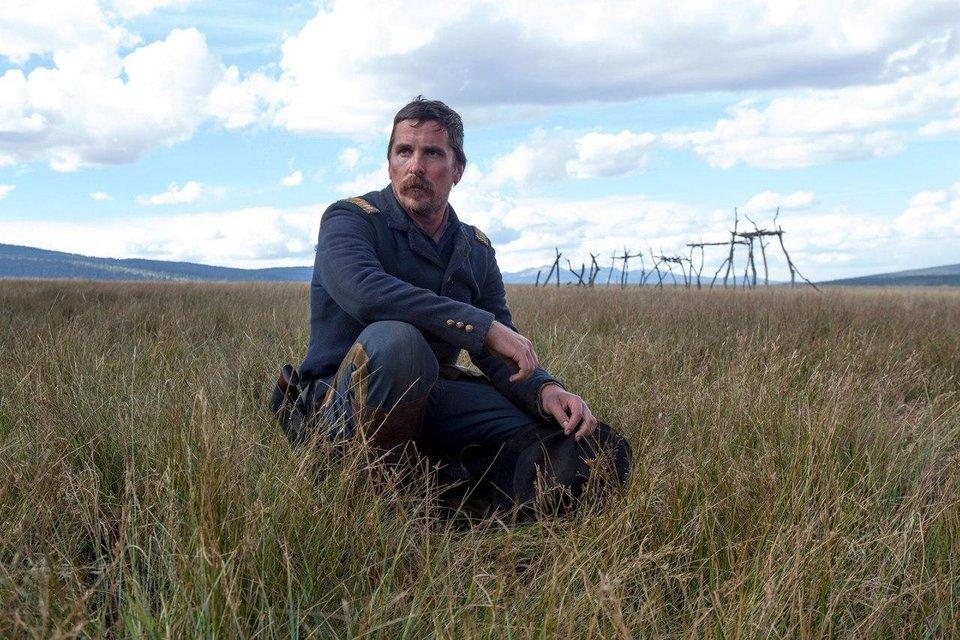 В сеть попали фото похудевшего Кристиана Бейла со съемок фильма Недруги - фото 68953