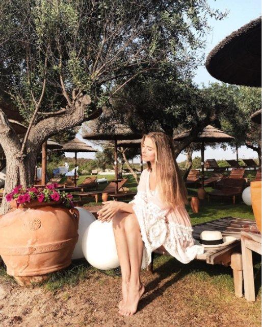 Соня Евдокименко покорила стройной фигурой на отдыхе - фото 64799