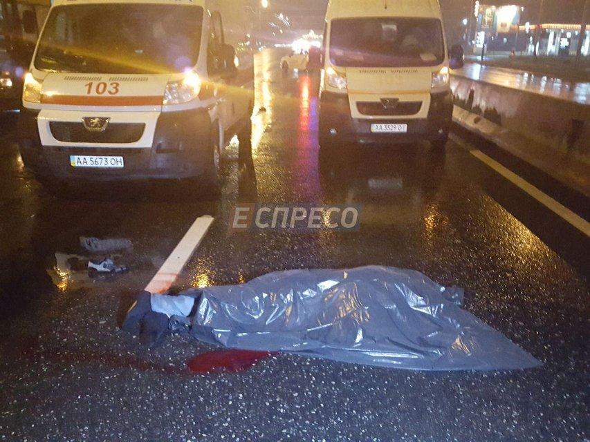 Volkswagen насмерть сбил водителя троллейбуса, поправлявшего контактную сеть - фото 64383