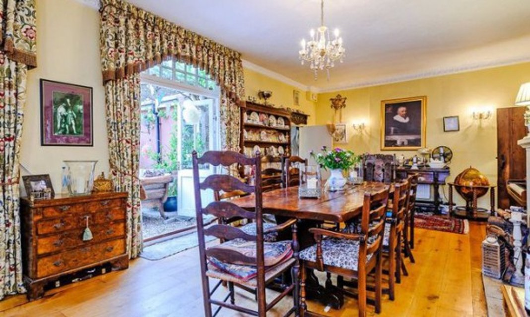Дом из фильма про Гарри Поттера продают за миллион фунтов - фото 65599