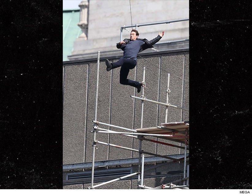 Том Круз на съемках фильма Миссия: невыполнима 6 - фото 66083
