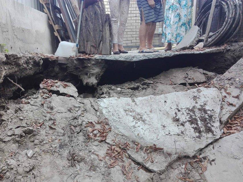 В Киеве на Андреевском спуске произошел оползень - фото 67125