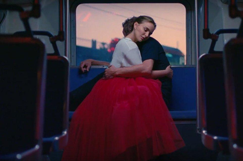 Натали Портман украсила новый аромат Miss Dior - фото 71010