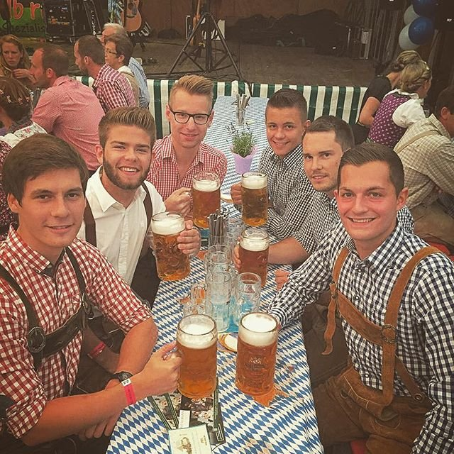 Oktoberfest: фото первого дня фестиваля - фото 74453