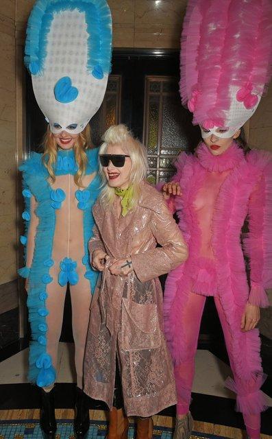 Элис Деллал произвела фурор на открытии Недели моды в Лондоне - фото 74225