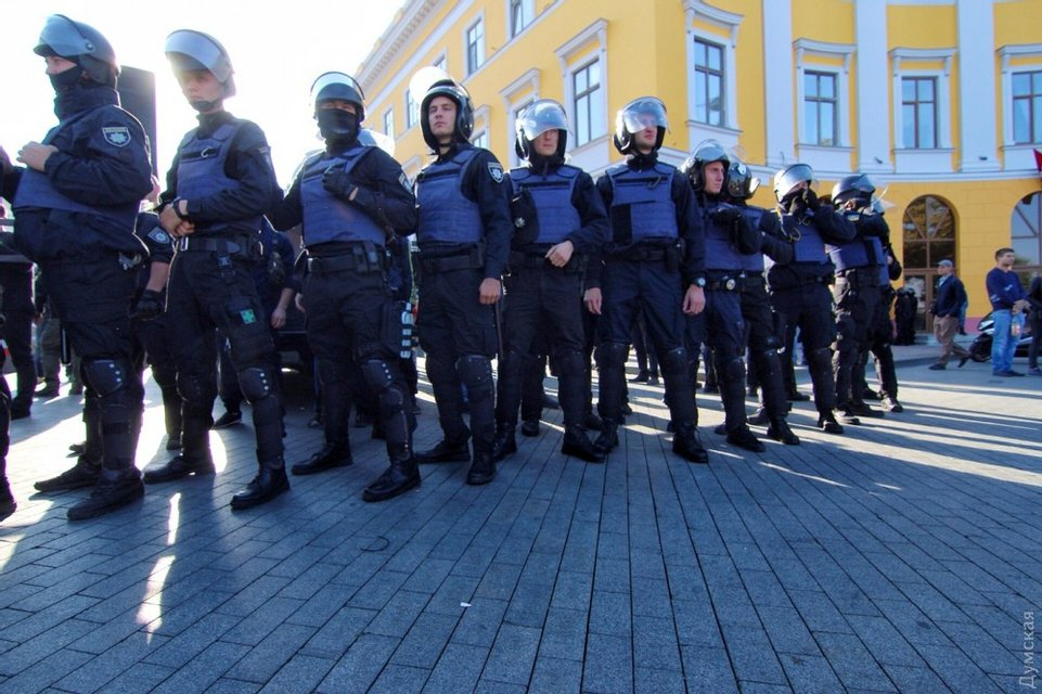 В Одессе закончился митинг Саакашвили - фото 77684